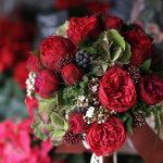 赤バラと秋色紫陽花のブーケ